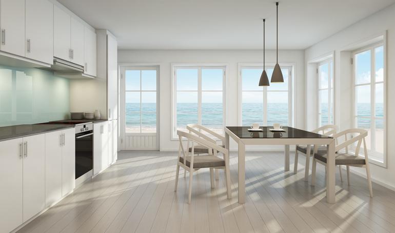 Conviene comprare una casa al mare?
